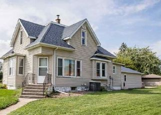 Foreclosed Home in Hills 52235 EAST AVE - Property ID: 4423944397