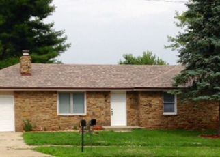 Foreclosed Home in Columbus 47203 LOCKERBIE DR - Property ID: 4423973305