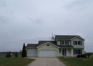 Foreclosed Home in Warsaw 46582 N BOBWHITE DR - Property ID: 4423980312