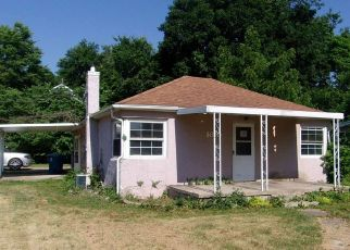 Foreclosed Home in Huntington 46750 COLLEGE AVE - Property ID: 4423983831