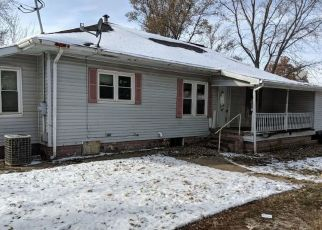 Foreclosed Home in Bicknell 47512 W 4TH ST - Property ID: 4423984250