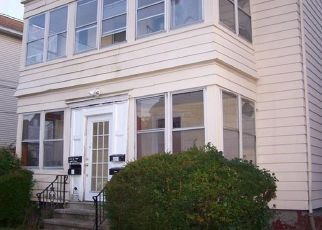 Foreclosed Home in New Britain 06053 CLINTON ST - Property ID: 4424057846