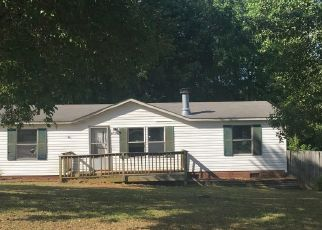 Foreclosed Home in Gibsonville 27249 SADDLER TRLR - Property ID: 4424098569