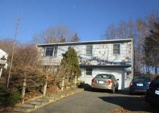 Foreclosed Home in Danbury 06810 FLEETWOOD DR - Property ID: 4424184405