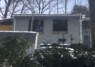 Foreclosed Home in New Fairfield 06812 SUNSET TRL - Property ID: 4424186154