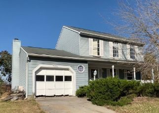 Foreclosed Home in Windsor Mill 21244 GALLOPING CIR - Property ID: 4424447191