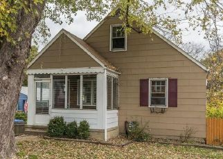 Foreclosed Home in Parkville 21234 BAKER AVE - Property ID: 4424450253