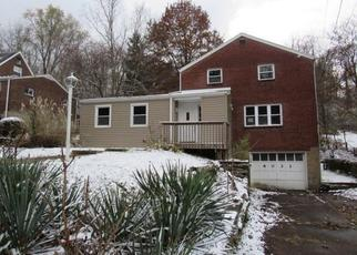 Foreclosed Home in Verona 15147 ROCKCLIFF RD - Property ID: 4424555375