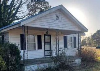 Foreclosed Home in Mount Olive 28365 SLAPOUT RD - Property ID: 4424664429