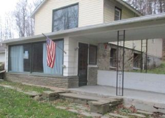Foreclosed Home in Westfield 16950 GURNEE RD - Property ID: 4424693333
