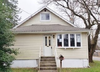 Foreclosed Home in Woodbury 08096 OAK ST - Property ID: 4424704730