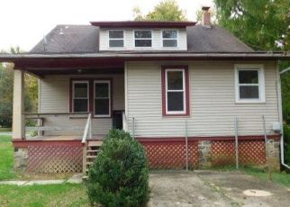 Foreclosed Home in Reading 19606 N 25TH ST - Property ID: 4424735383