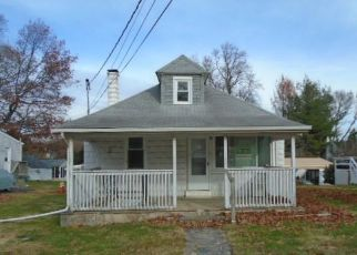 Foreclosed Home in Dundalk 21222 OLD BATTLE GROVE RD - Property ID: 4424765606
