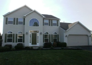 Foreclosed Home in Baldwinsville 13027 RONWAY DR - Property ID: 4424916261
