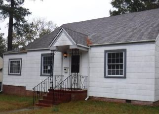 Foreclosed Home in Norfolk 23513 DARE CIR - Property ID: 4424980205