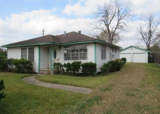 Foreclosed Home in Houston 77028 SEXTON ST - Property ID: 4425000355