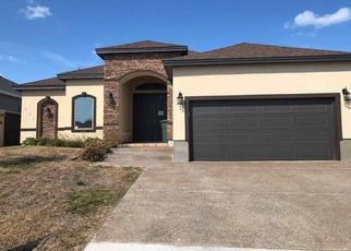 Foreclosed Home in Laredo 78045 BUR OAK DR - Property ID: 4425034970