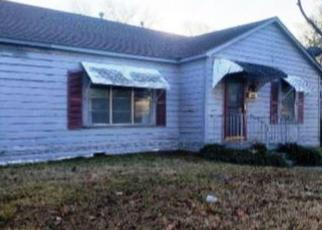 Foreclosed Home in Bonham 75418 CHESTNUT ST - Property ID: 4425037590