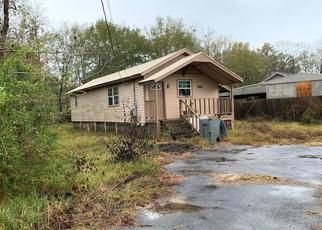 Foreclosed Home in Lumberton 77657 WILLIFORD RD - Property ID: 4425050733