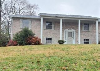 Foreclosed Home in Knoxville 37909 BENNINGTON DR - Property ID: 4425068237