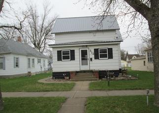 Foreclosed Home in Watertown 57201 S BROADWAY - Property ID: 4425083126