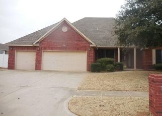 Foreclosed Home in Yukon 73099 KINGSGATE RD - Property ID: 4425158463