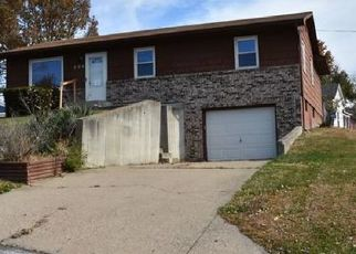 Foreclosed Home in Moberly 65270 CREST DR - Property ID: 4425283287