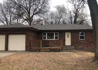 Foreclosed Home in Kansas City 64117 NE 43RD ST - Property ID: 4425300370