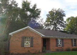 Foreclosed Home in Gulfport 39503 DAISY LN - Property ID: 4425302111