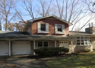 Foreclosed Home in Gary 46408 RUTLEDGE ST - Property ID: 4425411620