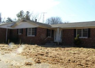 Foreclosed Home in Paducah 42003 SUMMIT DR - Property ID: 4425418175