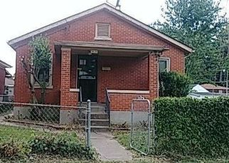 Foreclosed Home in Louisville 40215 CRAIG AVE - Property ID: 4425426509