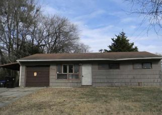 Foreclosed Home in Topeka 66605 SE COLFAX PL - Property ID: 4425436581