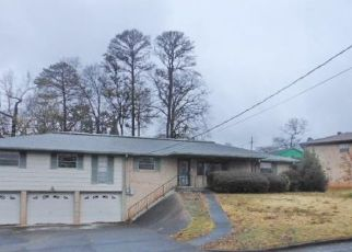 Foreclosed Home in Fairfield 35064 PINE TREE LN - Property ID: 4425446204