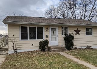 Foreclosed Home in Hiawatha 52233 3RD AVE - Property ID: 4425457156