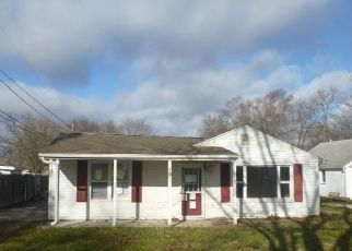 Foreclosed Home in Peoria 61607 PERSHING AVE - Property ID: 4425466360