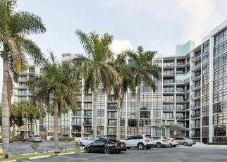Foreclosed Home in Hallandale 33009 LESLIE DR - Property ID: 4425512798