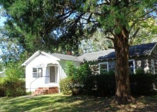 Foreclosed Home in Jacksonville 32244 TOWNSEND RD - Property ID: 4425538635