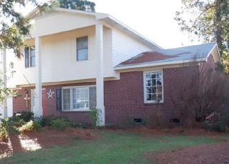 Foreclosed Home in Hope Mills 28348 POLK DR - Property ID: 4425564468