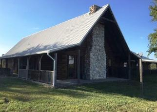Foreclosed Home in De Kalb 75559 COUNTY ROAD 4231 - Property ID: 4425599508