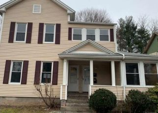 Foreclosed Home in New Britain 06052 LIBERTY ST - Property ID: 4425785652
