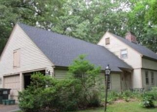 Foreclosed Home in Woodbury 06798 CAT SWAMP RD - Property ID: 4425808424