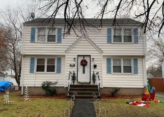 Foreclosed Home in Stratford 06615 ADAMS ST - Property ID: 4425821109