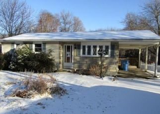 Foreclosed Home in Bristol 06010 WITCHES ROCK RD - Property ID: 4425822435