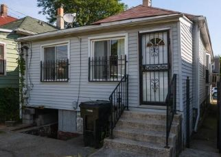 Foreclosed Home in Chicago 60619 S RHODES AVE - Property ID: 4426359390