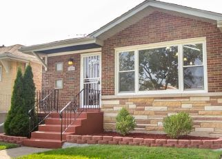 Foreclosed Home in Chicago 60617 S EUCLID AVE - Property ID: 4426361133