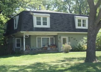 Foreclosed Home in La Grange 60525 11TH AVE - Property ID: 4426362908
