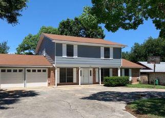 Foreclosed Home in San Antonio 78233 LOS ESPANADA ST - Property ID: 4426588450