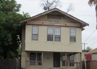 Foreclosed Home in San Antonio 78207 W COMMERCE ST - Property ID: 4426968615