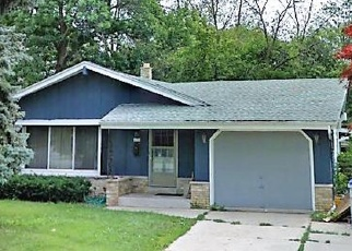 Foreclosed Home in Milwaukee 53221 S 20TH ST - Property ID: 4427040889